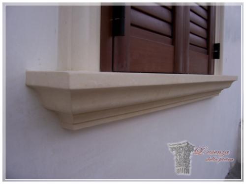Cornice camino in pietra leccese cornice camino in pietra leccese oltre fantastiche idee su - Pietra per soglie finestre ...